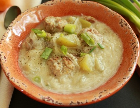 filipino misua soup meatballs