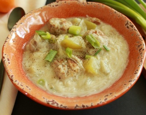 Miswa soup with Quinoa and Pork Meatballs pic