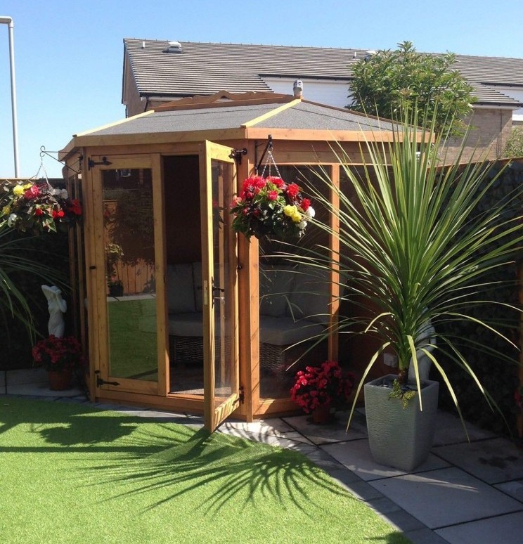 8x8 small insulated corner summerhouse