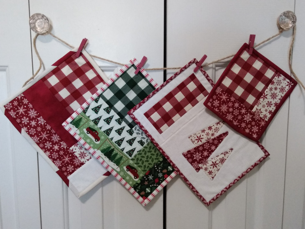 Mug Rugs made from Christmas TRaditions fabric by Dani Mogstad for Riley Blake