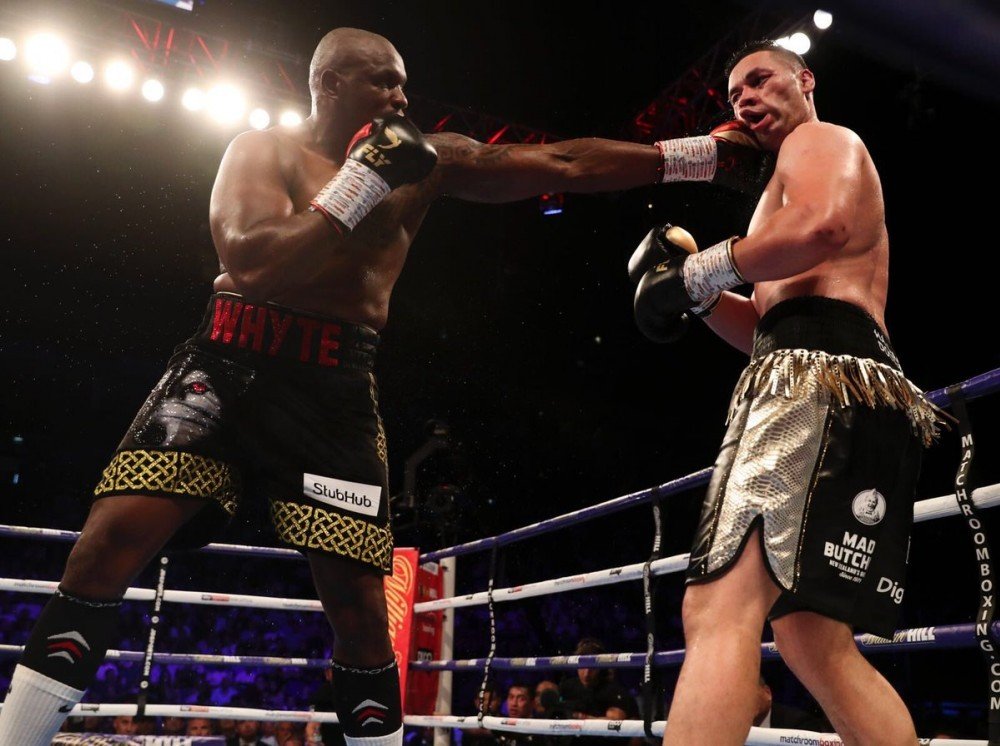 Whyte using the Jab