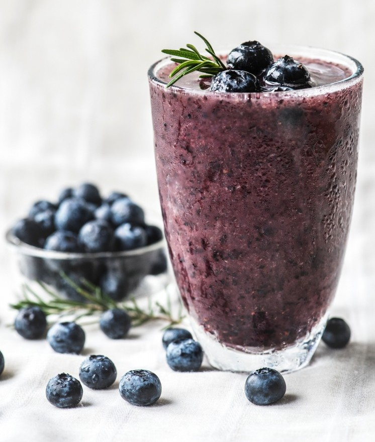 blueberry and kale smoothie
