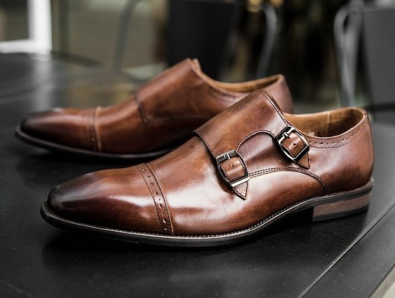 monk strap-shoes for men with wide feet