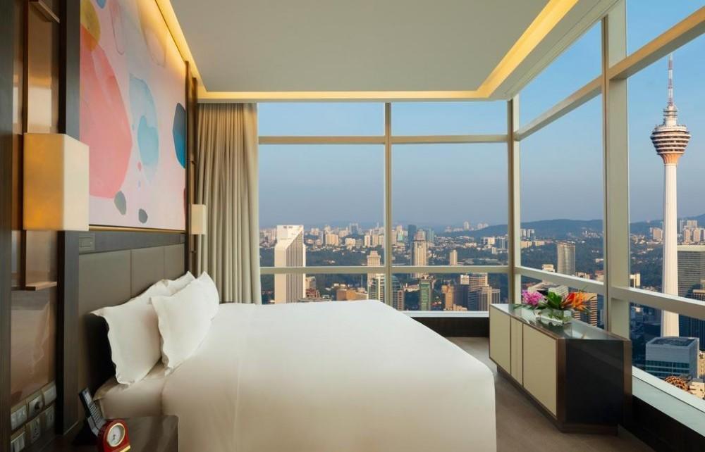 https://www.booking.com/hotel/my/banyan-tree-kuala-lumpur-kuala-lumpur.en.html?aid=1625956&no_rooms=1&group_adults=1