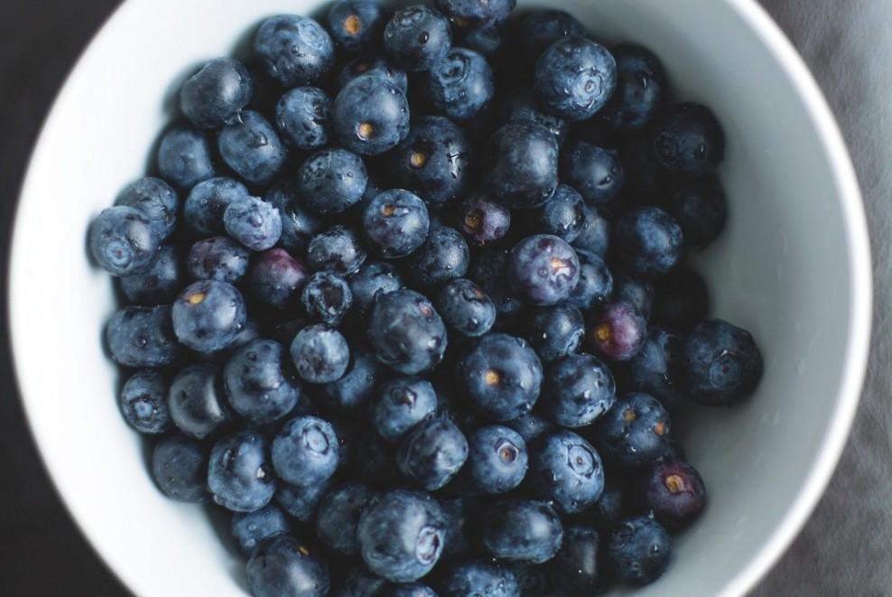 how to improve skin health naturally