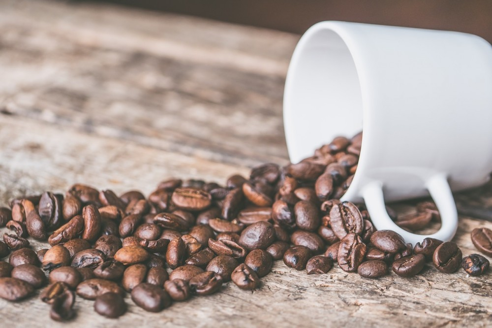 cup & coffee beans