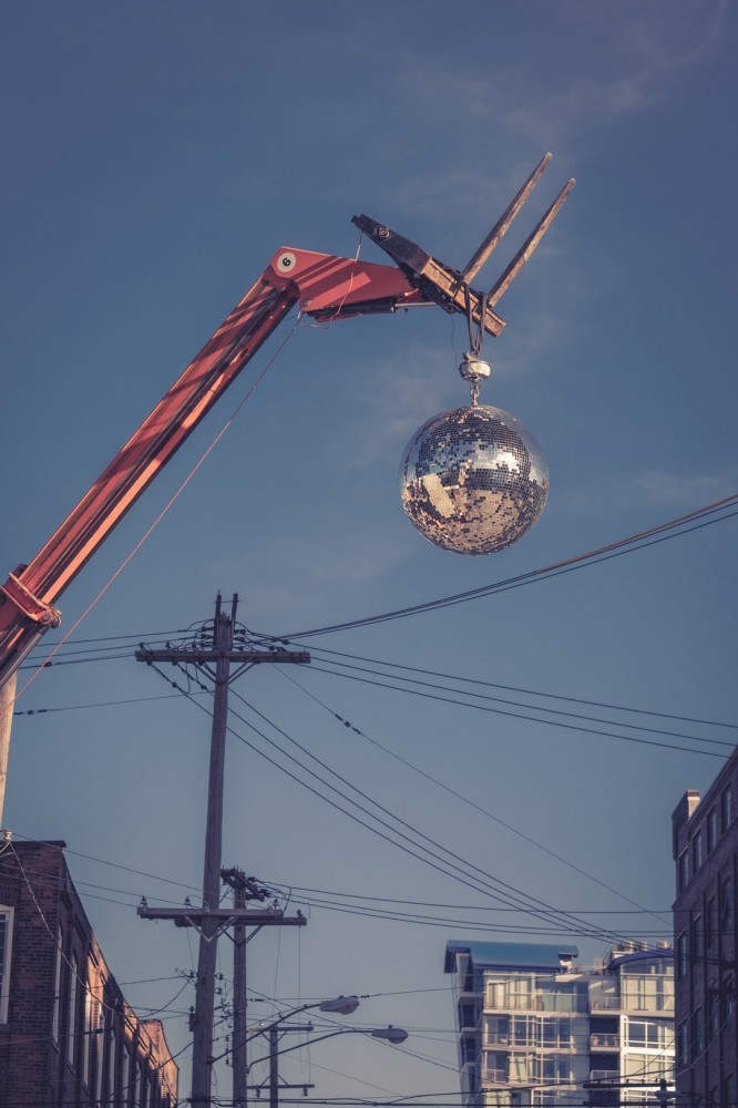 Closed Online Marketing Selling Cycle-A crane delivering a bow!