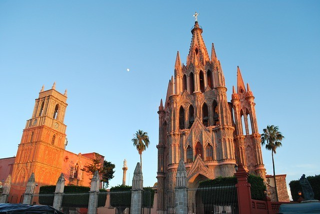 Facade of the pink stone neo-Gothic church of San Miguel de Allende.