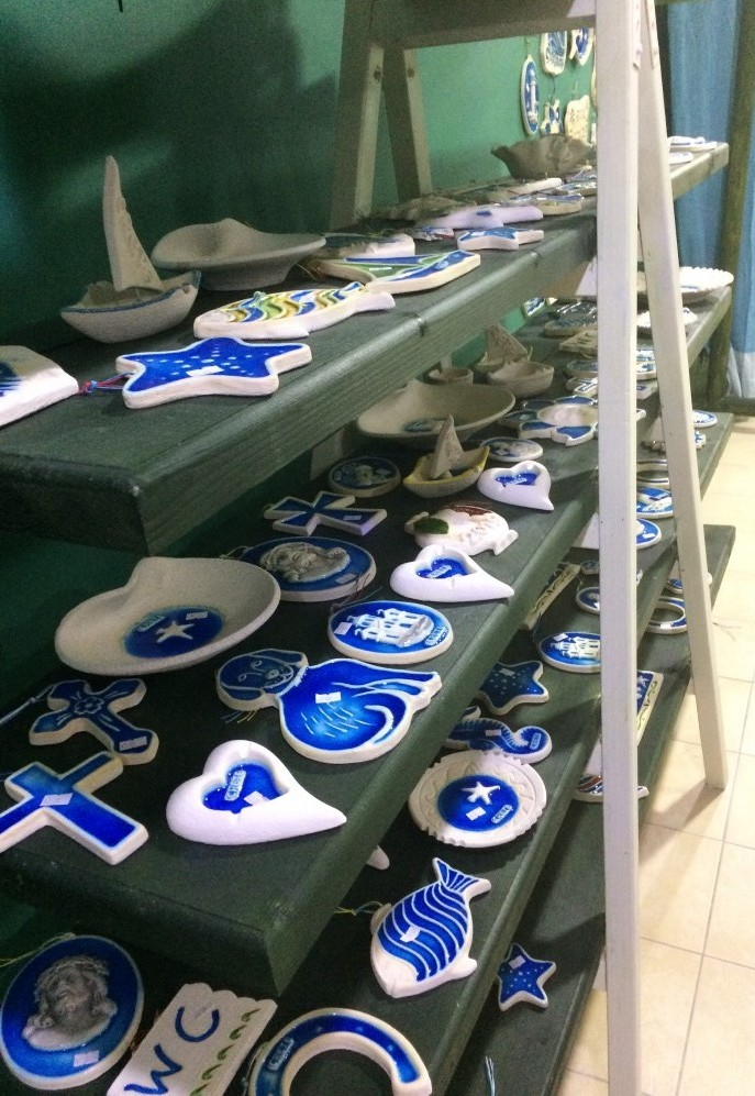 where to buy souvenirs, herbs and gifts in Crete