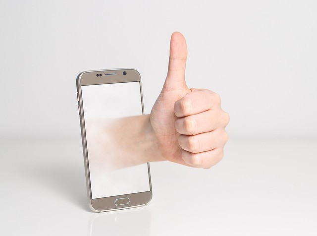 image of a hand showing the thumbs up its to show affilorama is recommended in this affilorama review