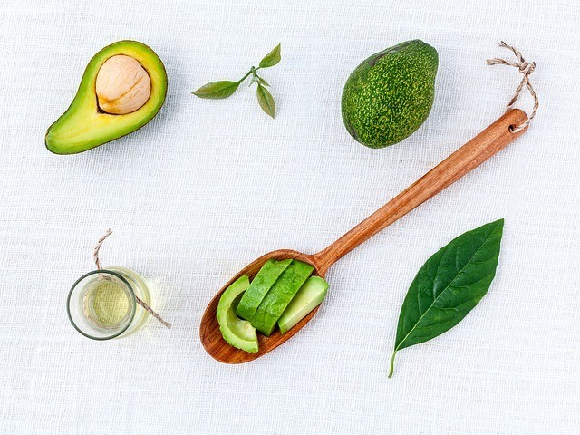 avocado oil benefits on your skin and scalp