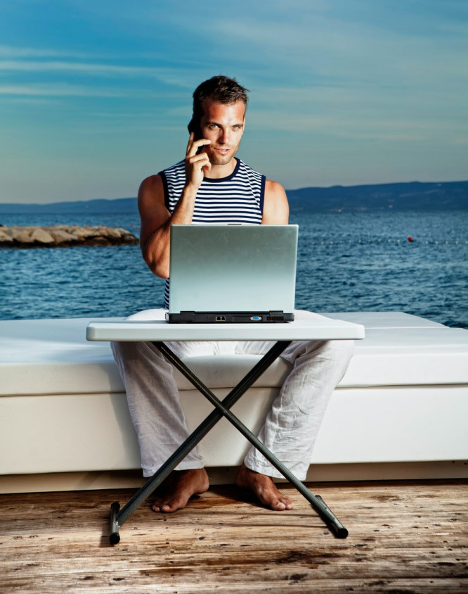 Moving -To-Crete-How-To-Find A-Job