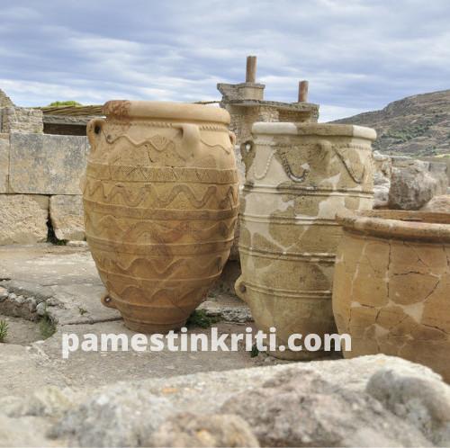 visiting-Minoan-palace-of-knossos