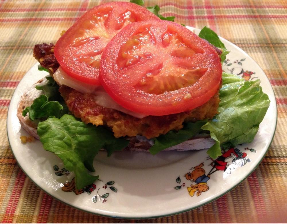 Quinoa oat 'burger'