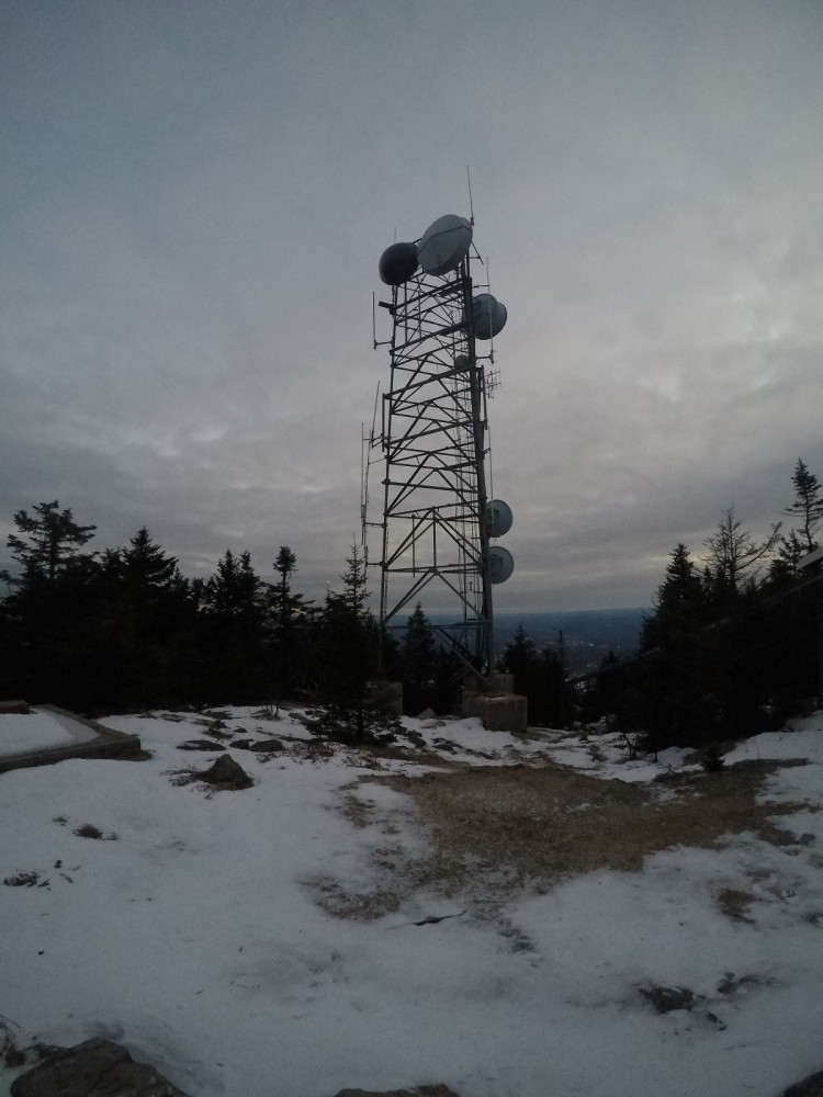 3130' summit of Mount Ascutney