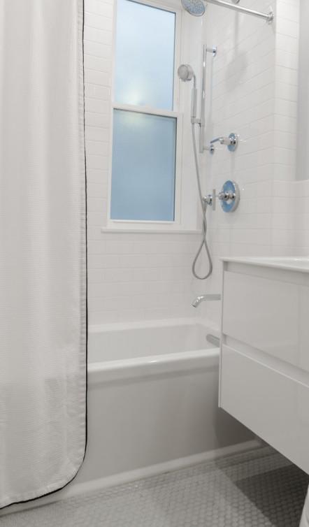 Deep Cleaning the Bathroom