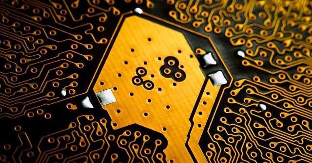 Gold electronic circuit