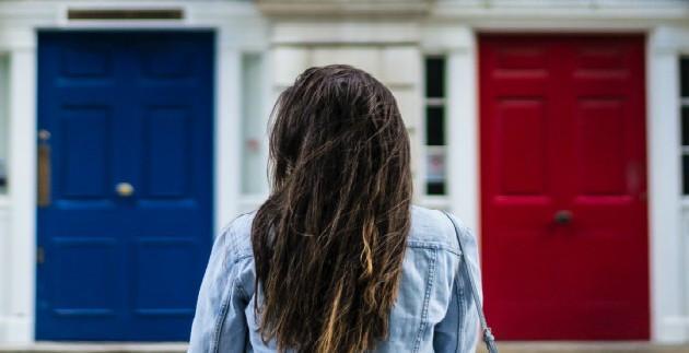 Blue door or red door