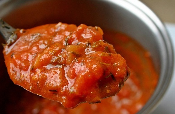 Picture of Homemade Tomato Sauce With Fresh Tomatoes - Nutritious, easy, with herbs