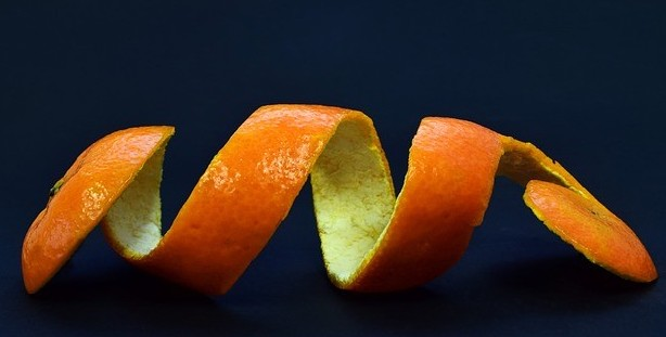 orange peel zest with pith - Should You Eat Orange Peel