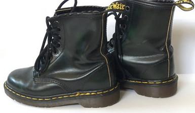 classic 80s fashion - doc martens