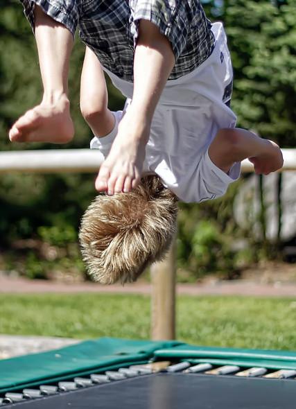 Reduce bounce rate through internal and external links