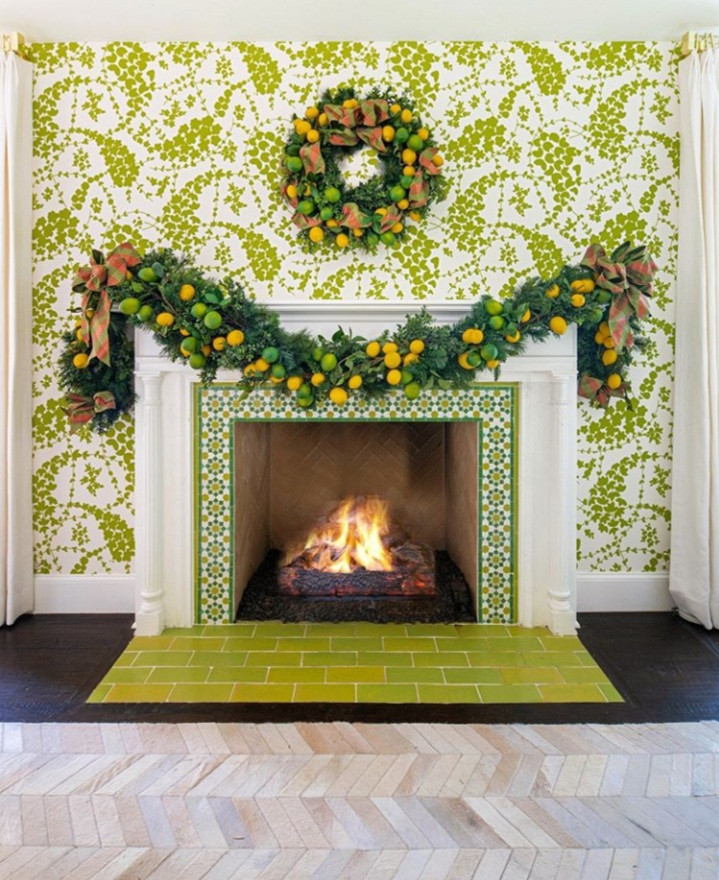 Who says you have to decorate with ONLY traditional Christmas colors: red, wite and green? This Christmas, incorporate some bold colors into your decor with tie-dyes and Citrus elements. These are beautfil, eye-catching and makes a statement. There is no wrong or right to colors on Christmas.