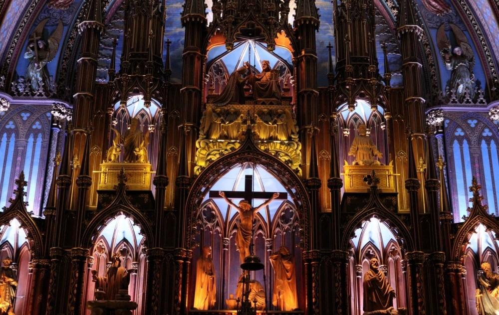 notre-dame-altar