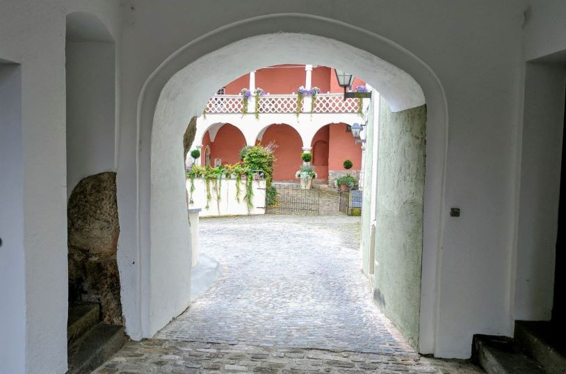 Things to do in Regensburg Germany - Archway