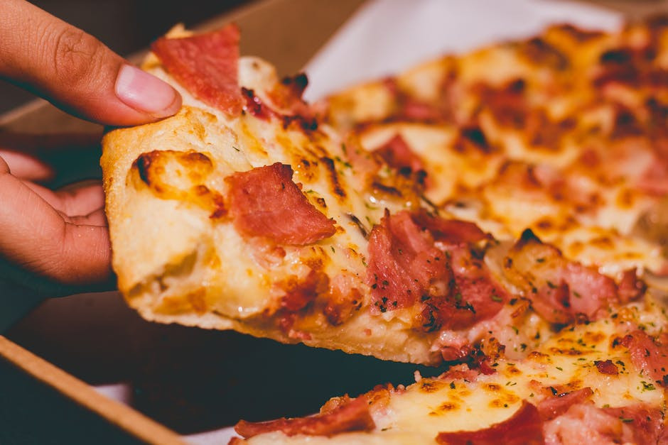 virtual trip to europe for homeschoolers - pizza photo