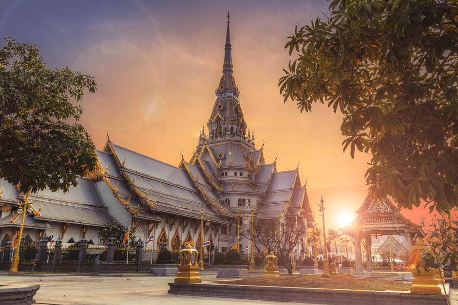 virtual trip to asia for homeschoolers - thai temple