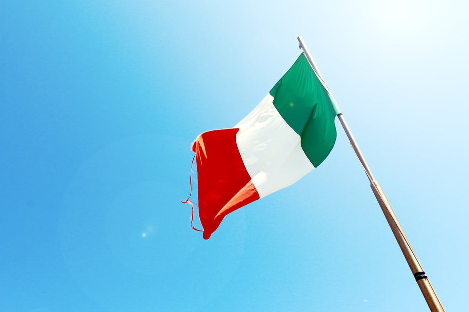 virtual trip to europe for homeschoolers - italian flag