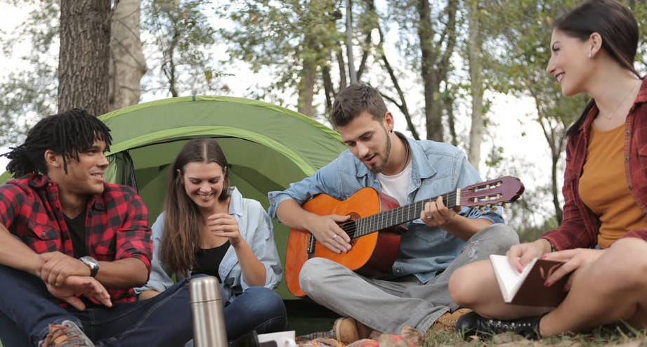 Playing the guitar can improve social skills