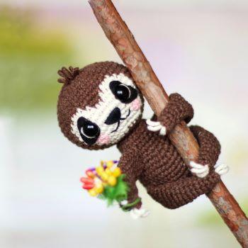 Sloth crochet pattern - Loopy Pattern