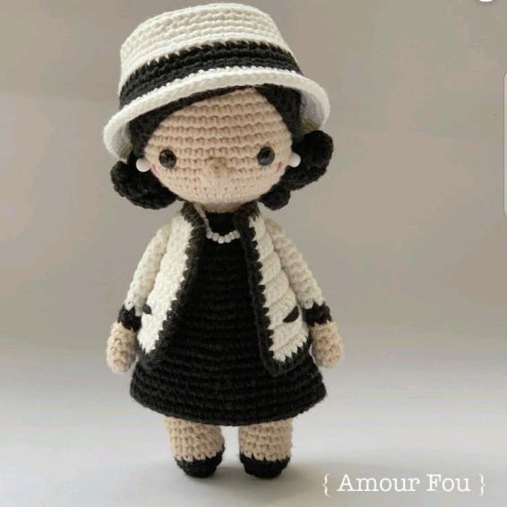 Coco Chanel Crochet Pattern - Iconic Woman Crochet Pattern