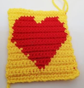 Tapestry crochet heart without border