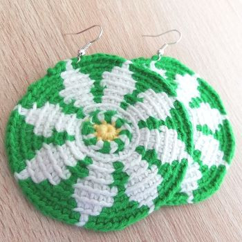 Free crochet earrings pattern - Spring Daisy