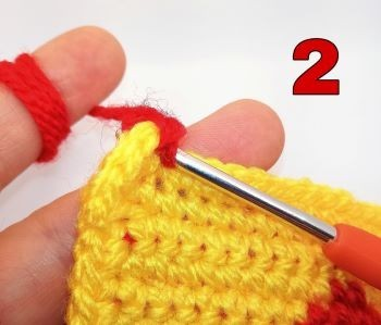 How to crochet Crab stitch - Step 2