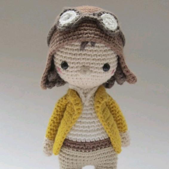 Amilia Earhart Crochet Pattern - Iconic Woman Crochet Pattern