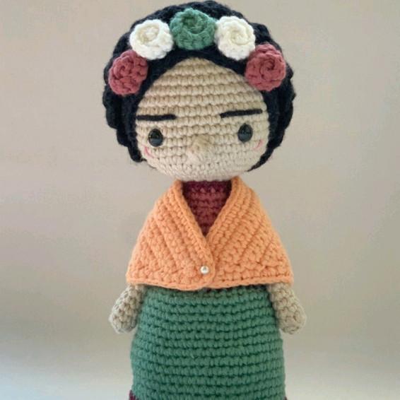 Frida Kahlo Crochet Pattern - Iconic Woman Crochet Pattern