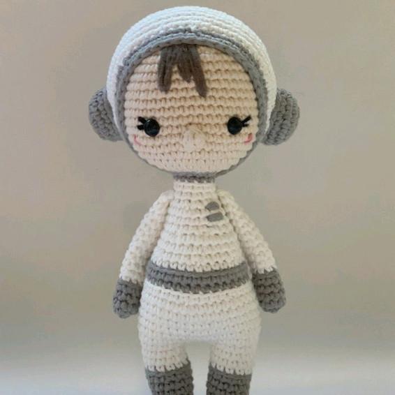 Valentina Crochet Pattern - Iconic Woman Crochet Pattern
