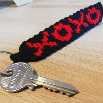 XOXO free crochet pattern