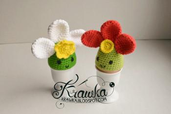 Flower egg cozy by Krawka