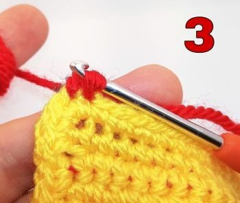 How to crochet Crab stitch - Step 3