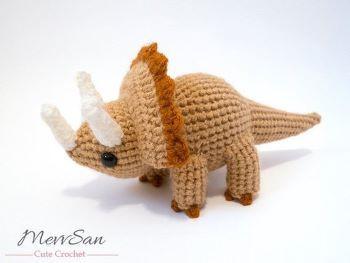 MevvSan triceratops crochet pattern
