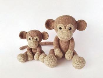 Glamorous Crocheted Monkeys [FREE Crochet Pattern] | 264x350