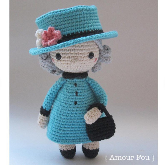 The Queen Crochet Pattern by Amour Fou