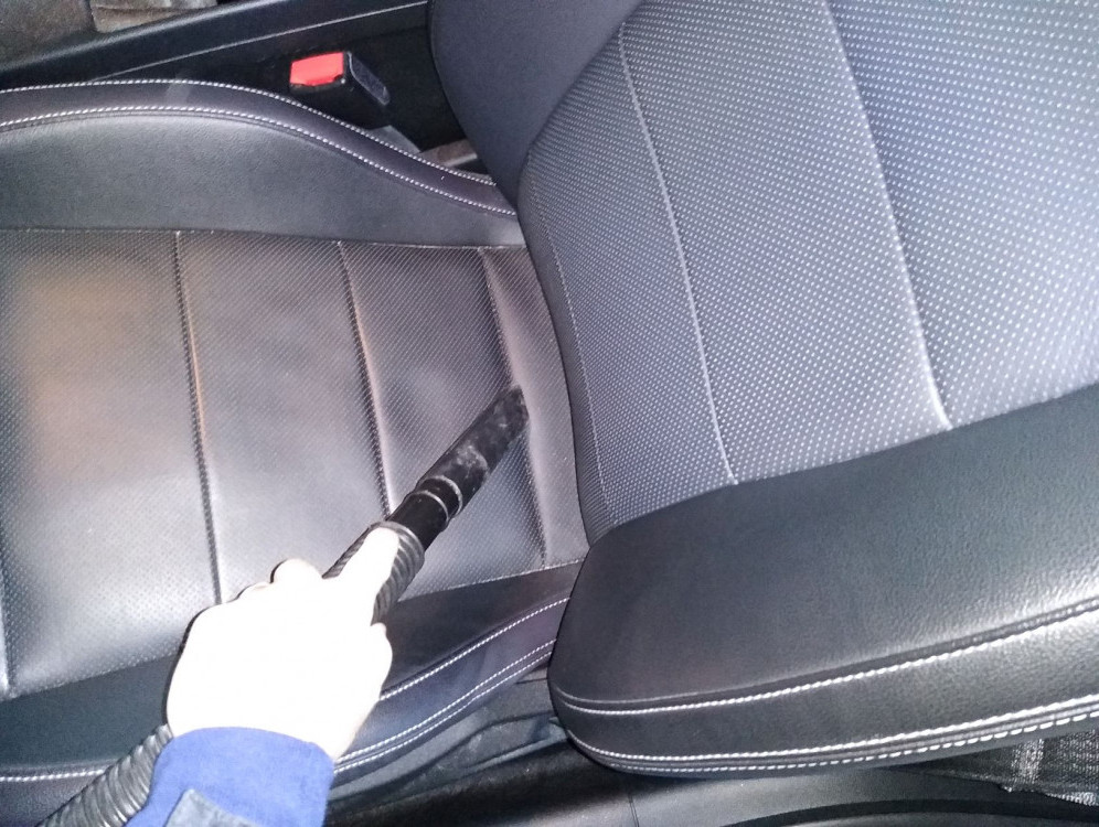 Best Way To Clean Leather Car Seats 1