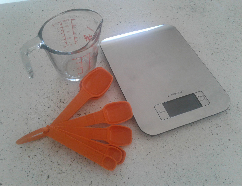 Thanksgiving and Diabetes - kitchen scale and measuring cups