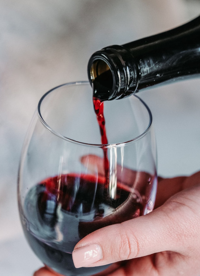 Best Alcohol Choices for Diabetics - glass of red wine